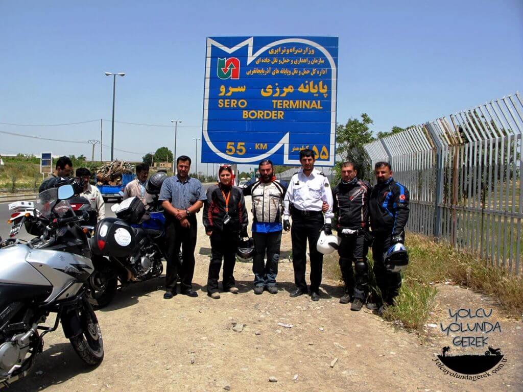 Urimiye'de Polis Şefi ile fotoğraf molası... :)