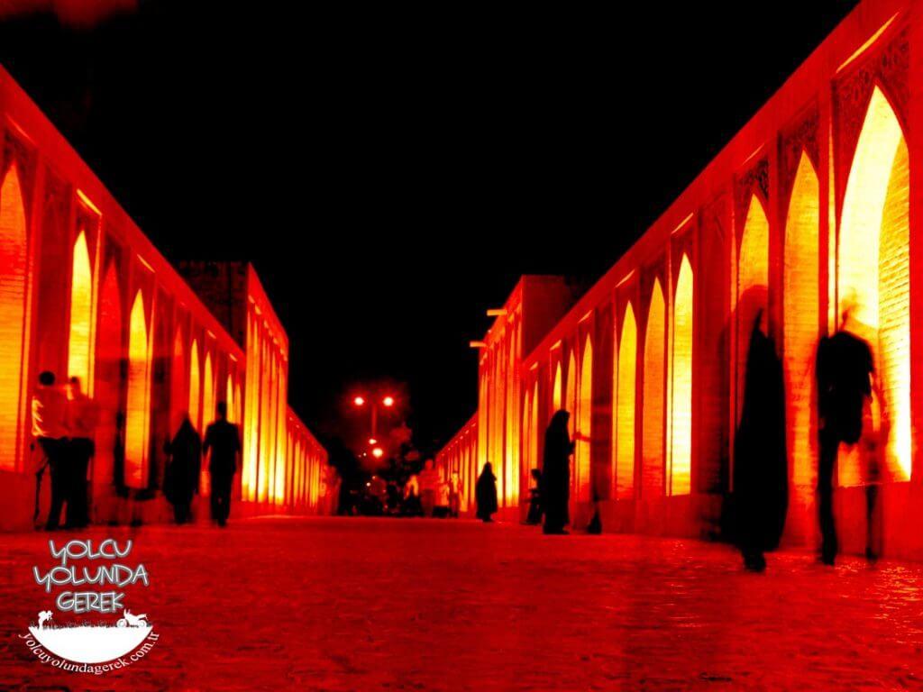 Si-O-Se Pol ( 33 Gözlü Köprü), İsfahan...
