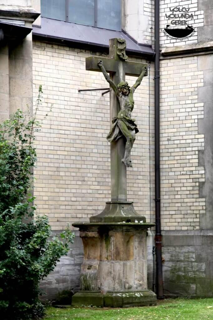 Paderborn Herz-Jesu Kilisesi
